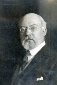 Formal portrait of history professor Wilbur H. Siebert.