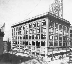 Exterior view of the F. & R. Lazarus Company building, Columbus, Ohio, ca. 1909-1912.